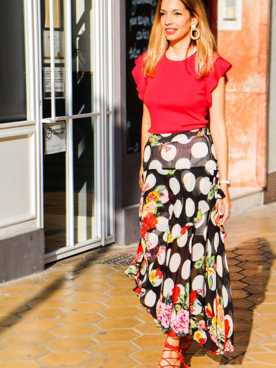 derhy-top-rojo-falda-asimetrica-flores-5
