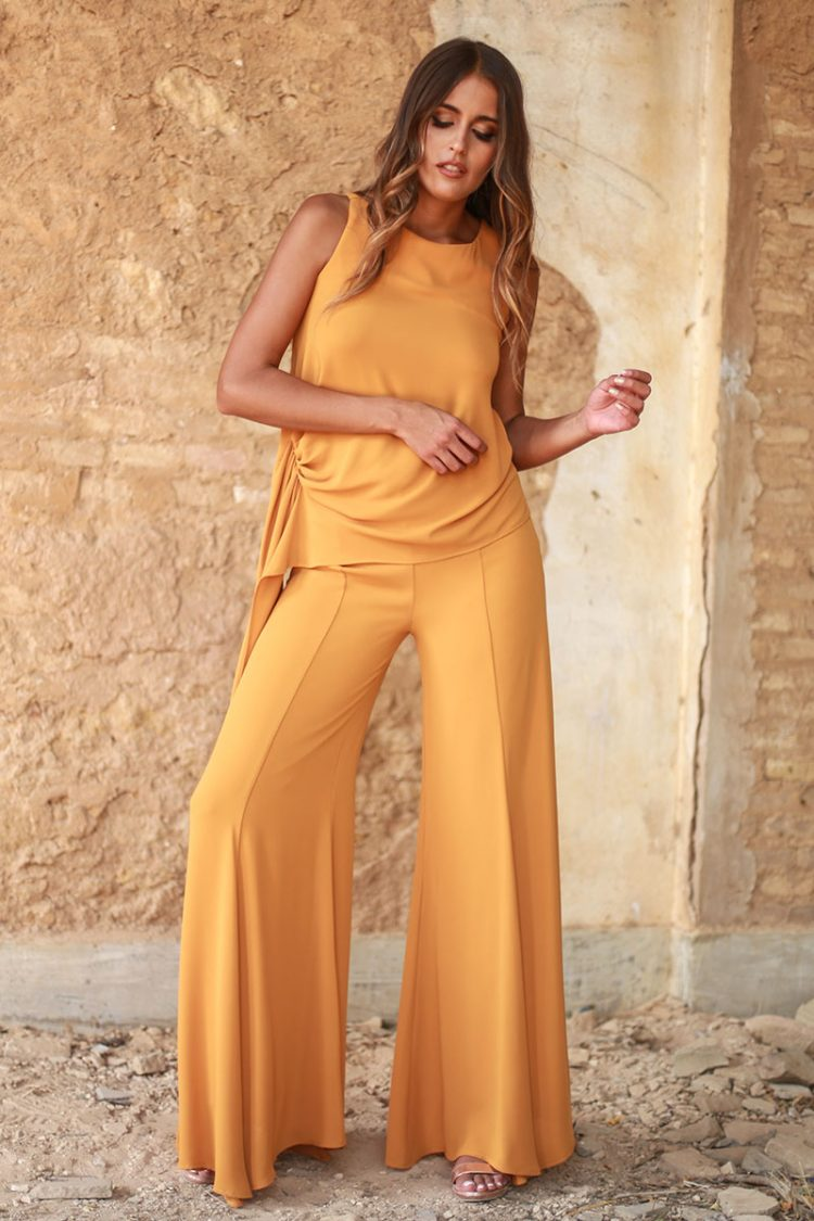 pantalon envolvente naranja y top envolvente naranja de punto frio
